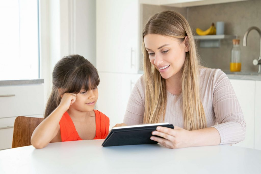 10 parenting tips in the digital age