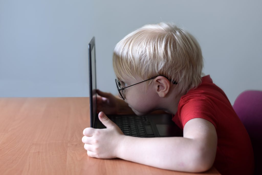 How-misuse-technology-badly-affects-your-kids-