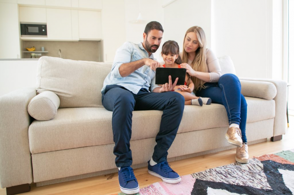 9 internet safety tips for parents to avoid unwanted contact and grooming