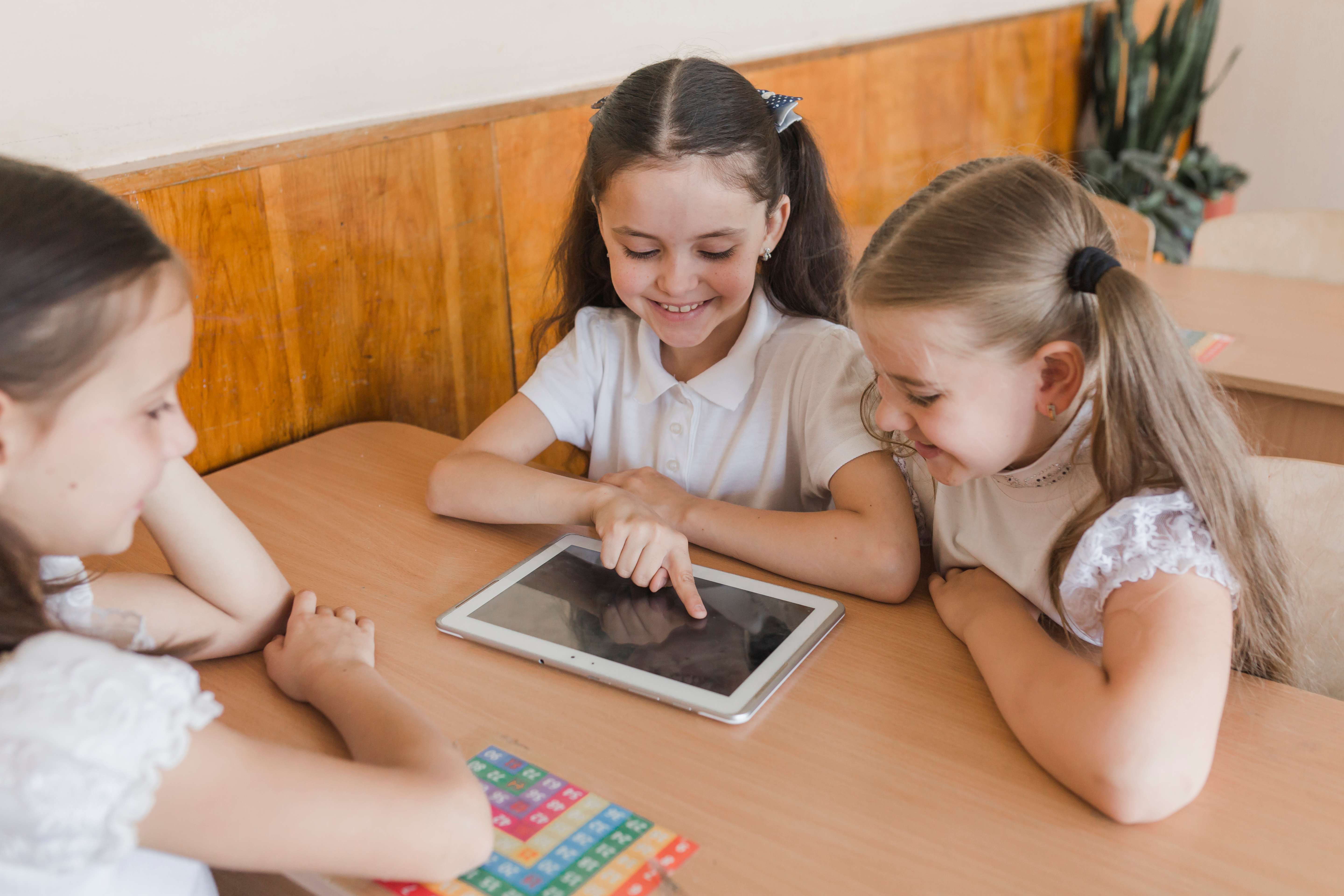 Looking for the best parental control for Chromebook? 6 proven ways here for you parents