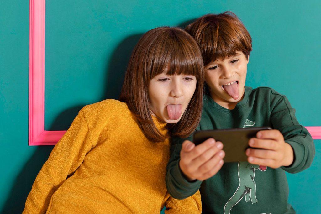 keep children safe on Facebook