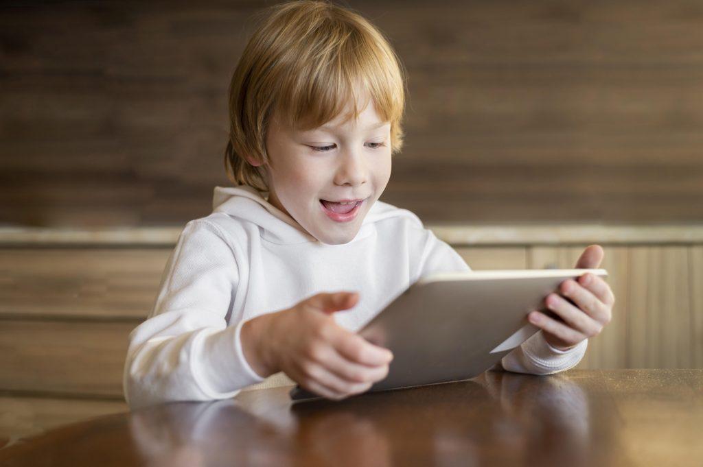 teach social media skills for children