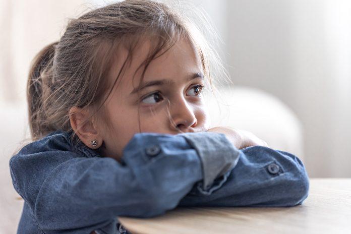 Làm gì khi con bạn bị ép buộc thực hiện các hành động không mong muốn trên Facebook?